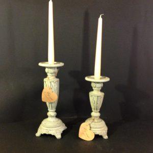 Blanc Mariclò Candeliere in resina grigia lavorato