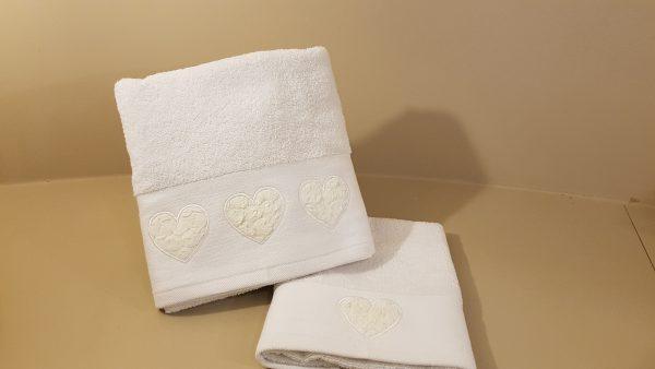 L'Atelier 17 set 2 pz. spugna bianchi con cuori in organza