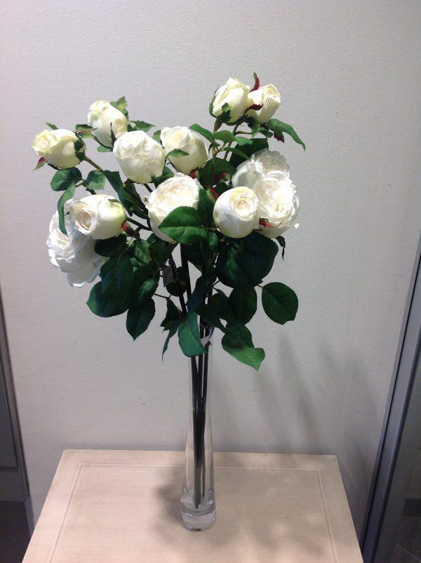 ramo rose bianche e boccioli
