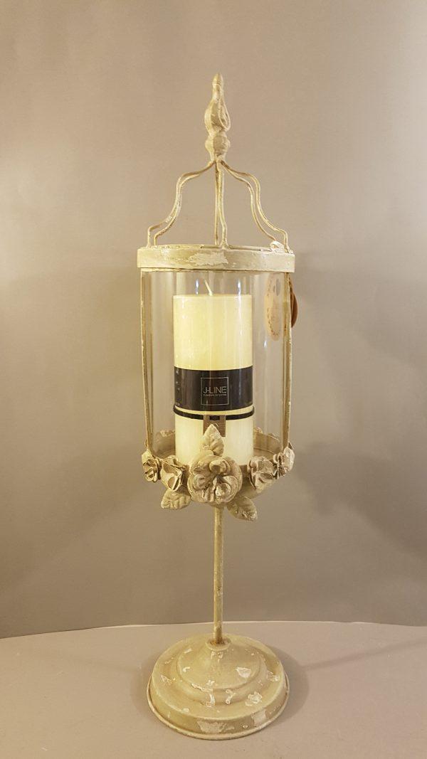candeliere decapato con vetro e fregi