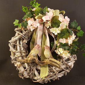 ghirlanda legno naturale decorata