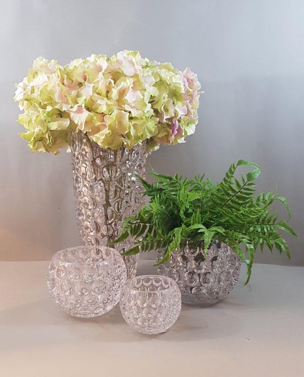 Vasi/contenitori acrilico trasp con felci e fiori