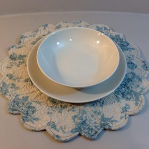 Blanc Mariclò Runner in boutis beige fantasia fiori azzurri Blanc