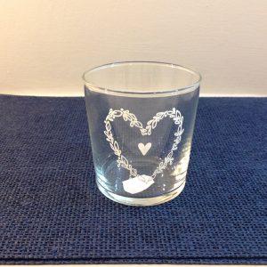 Simple Day Bicchiere tumbler con cuore bianco