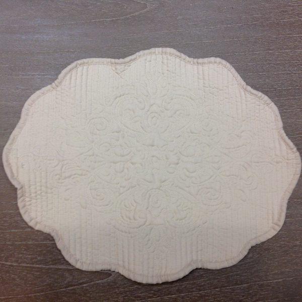 L'Atelier 17 Tovaglietta in boutis bianco ovale