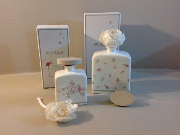 Brandani Profumatore in porcellana beige con fiore e scatola