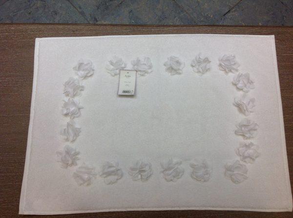 L'Atelier 17 Tappetino bagno bianco con rose grandi