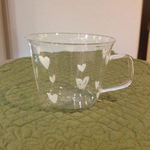 Simple Day Set 2 tazze in vetro con cuoricini bianchi