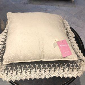 L'Atelier 17 Cuscino bianco con pizzo bianco