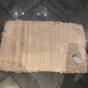 L'Atelier 17 Tappeto da bagno rosa chiaro con rouche