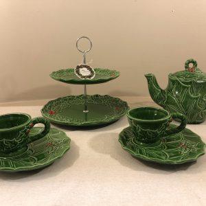 Theiera in ceramica verde fantasia agrifoglio e bacche rosse
