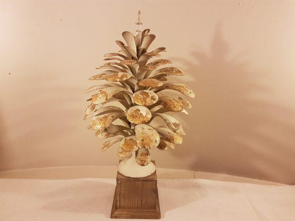 MC Diffusion Pigna in metallo panna e oro decapata con base in legno