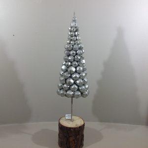 Albero di natale con campanelli argento