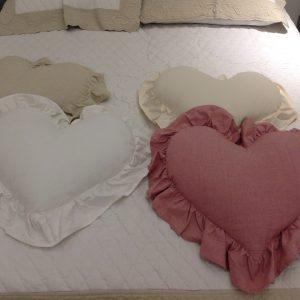 L'Atelier 17 Cuscino a cuore con frappa colore grezzo melange 40x45