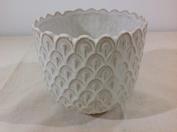 Bruco vaso in ceramica panna lavorato