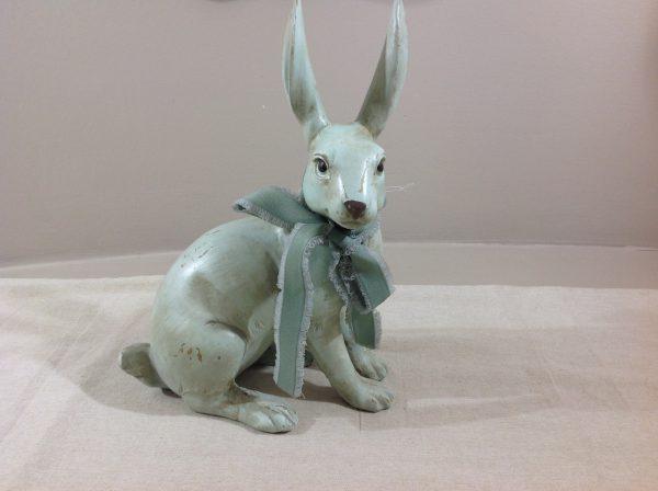 Coniglio in resina verde acqua con nastro al collo