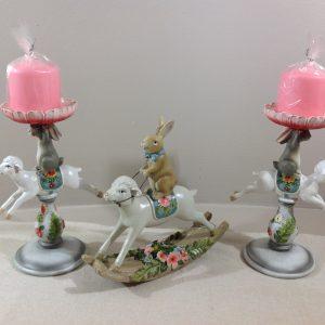Candeliere in resina con pecorella e coniglietto