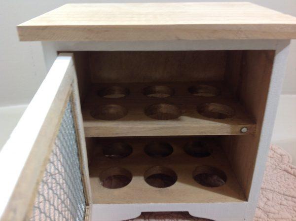 Clayre & Eef casetta in legno bianco e naturale con sportellino in ferro e cuoricino bianco