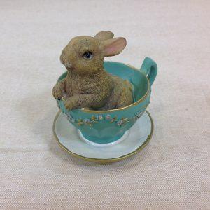 Coniglio in tazzina verde e oro