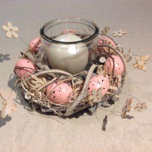 Porta candela in vetro con ghirlanda di uova azzurre
