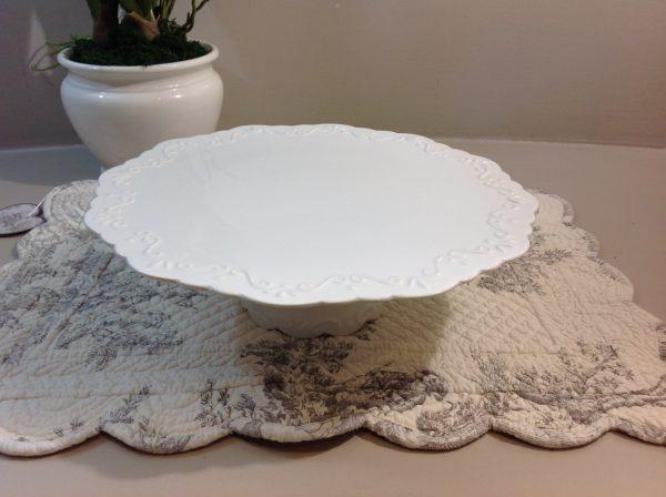Chic Antique Alzata in porcellana bianco latte