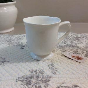 Chic Antique Mug in porcellana bianco latte