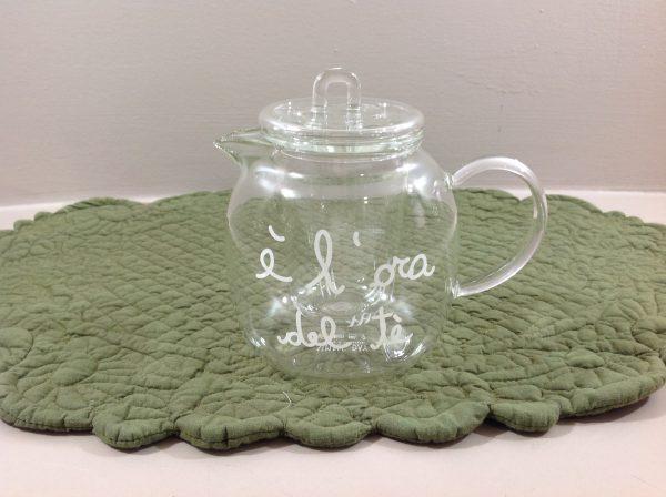 Simple Day Teiera piccola in vetro con scritta bianca E' l'ora del tè
