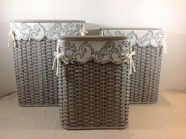 Montemaggi Porta biancheria grigio foderato con tessuto e ricami
