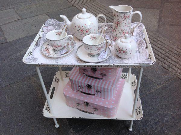 Chic Antique Tavolino in ferro bianco con 2 vassoi