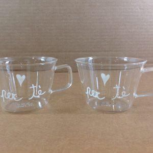 Simple Day Set 2 tazze in vetro con scritta Per tè e cuoricino