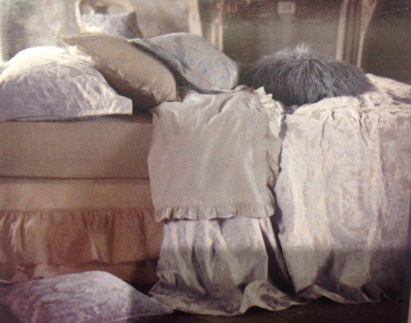 Blanc Mariclò Copriletto damascato beige con 2 federe