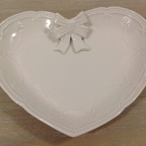 Coccole di Casa Piatto in porcellana bianca a cuore con fiocco - grande