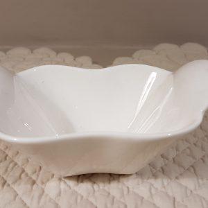 ciotolina in porcellana bianca rettangolare con alette a cuore